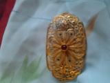 Старинна позлатена брошка с рубин-Брошки
