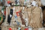 Изкупуваме хартия, кашони, метали-желязо и пластмаси от адрес-Почистване