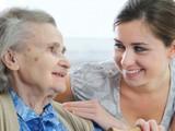 Търся работа за гледане на болни и възрастни хора за 24часа-Търся Работа
