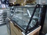Вертикална витрина за торти втора употреба-Хладилници