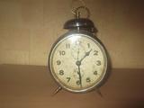 № 400  стар часовник / будилник JUNGHANS - работещ-Колекции