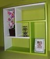 Етажерка за стена - Зелено и Бяло-Мебели и Обзавеждане