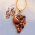 Обеци и колие Оранжеви мидички ръчна изработка от полимерна-Комплекти