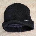 Черна мъжка зимна шапка с пух отвътре-Мъжки Шапки