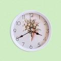2039 Модерен кръгъл часовник с принт букет от цветя, 22.5см-Дом и Градина